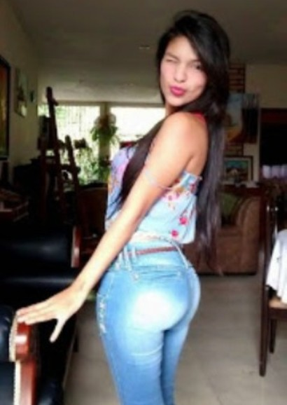 Mi amiga estefania me enviacutea un video xxx - 2 1