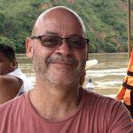 Profesional extranjero en Lima, quiero conocer mujeres para compartir viajes y diversión.